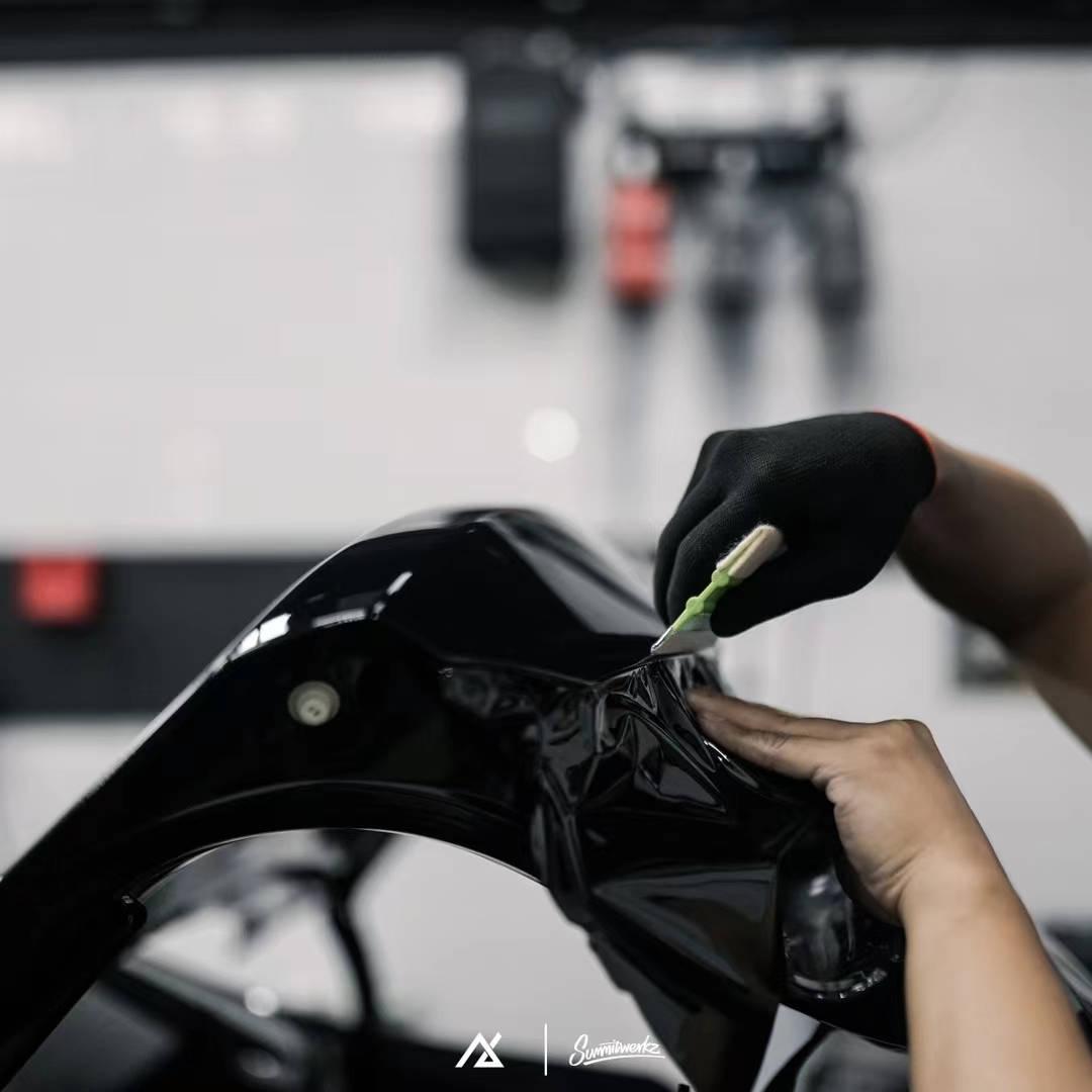 宝马530i贴膜AX改色膜电光金属黑案例图片